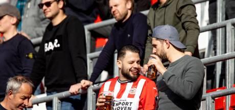 Nieuwsoverzicht | Voorlopig geen supporters meer bij eredivisiewedstrijden - Tilburgse advocate kan fluiten naar geld