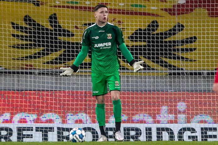Jay Gorter van Go Ahead Eagles gaat misschien niet naar Ajax. De club is geschrokken van de vraagprijs voor de doelman.