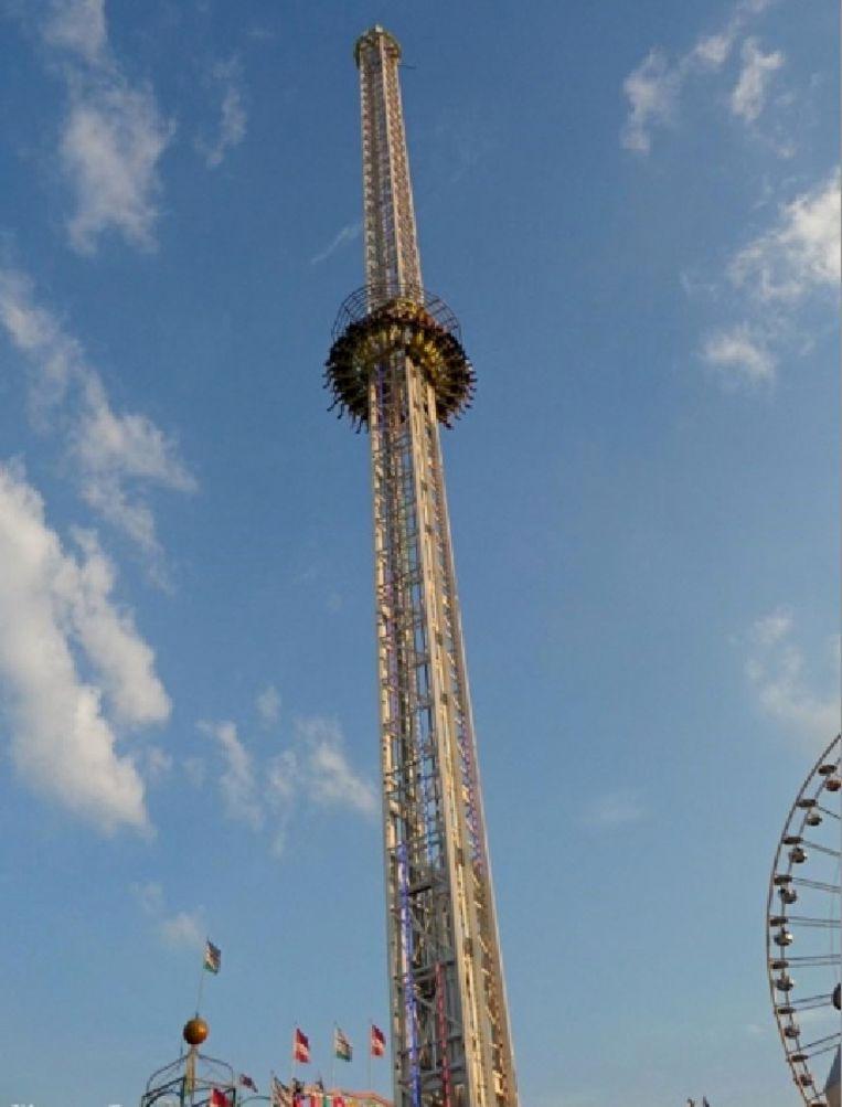 In de Tower word je 95 meter hoog opgetakeld.