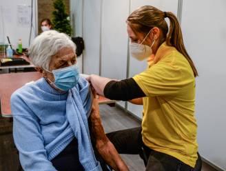 """Meetjesland roept burgers op om prikpartner te worden: """"Sommige mensen hebben wat hulp nodig bij vaccinatie"""""""