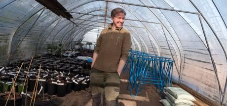 Göran probeert de aarde te redden: 'In China is massale vervuiling, zodat wij goedkope troep van Action kunnen kopen'