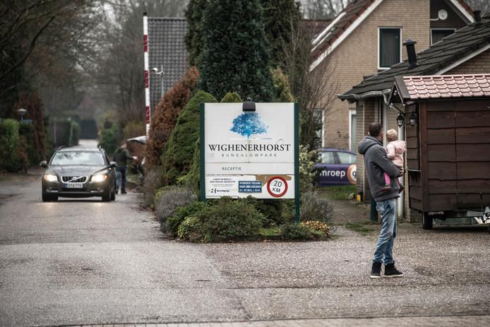 Wijchen gaat na jaren eindelijk werk maken van illegale bewoning op Wighenerhorst.