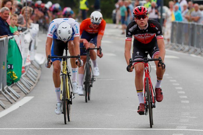 In een sprint met drie kroonde eerstejaarsjunior Yoran Van Gucht zich in Wetteren tot Oost-Vlaams kampioen. Milan De Meester en Joes Oosterlinck moesten het hoofd buigen.