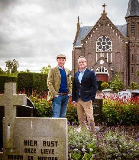Bennie en Dennis wonen op een kerkhof: 'Ik loop in m'n badjas naar de poort om die te openen'