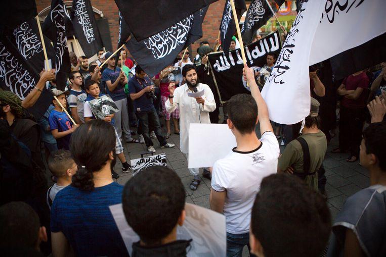 Radicale moslims demonstreren in Den Haag.  Beeld