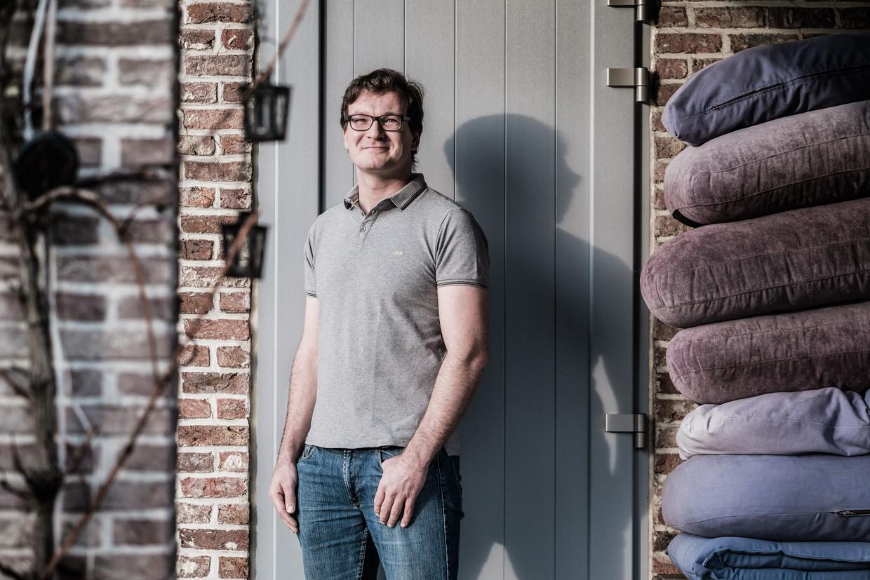 Leerkracht Dieter Gillis zat een heel semester thuis met een burn-out, en hij is niet de enige. Beeld Bob Van Mol
