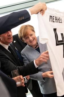 Rugnummer 4 voor Angela Merkel