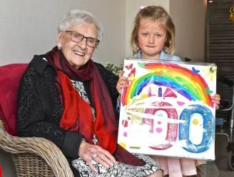 Hartverwarmend: 5-jarig naamgenootje verrast Lia Vandenberghe met bezoekje voor 100ste verjaardag