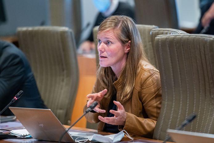 Vlaams parlementslid Tinne Rombouts wil dat boeren niet aan hun lot worden overgelaten tijdens de onderhandelingen met 3M.