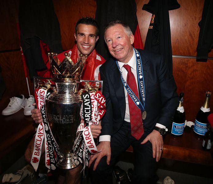 Mei 2013: Robin van Persie en Sir Alex Ferguson met de Premier League-trofee.