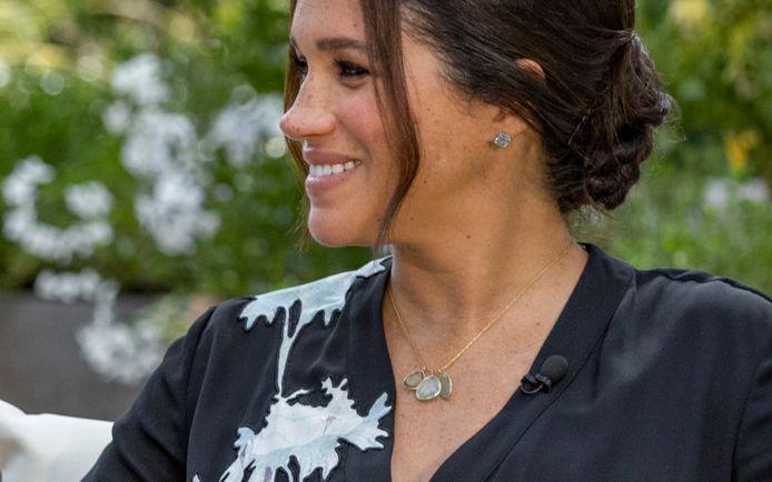 Le collier de Meghan représenterait sa famille avec le prince Harry.