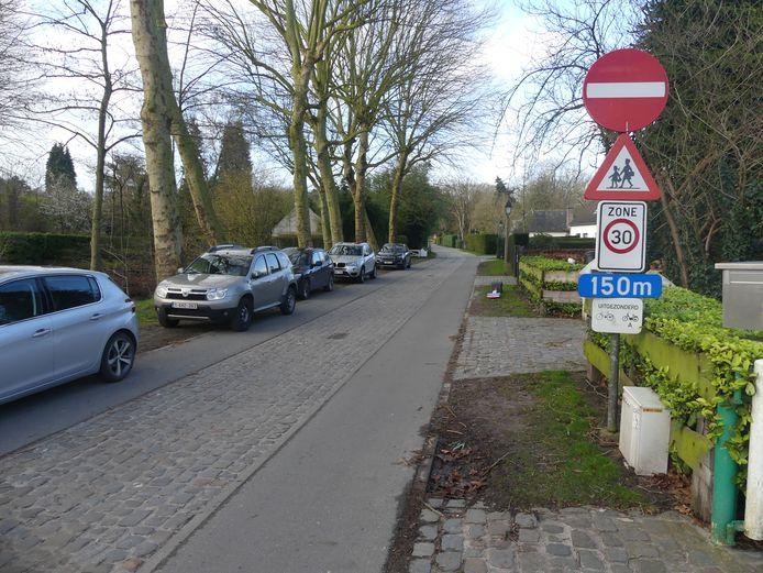 De Burgemeesterstraat wordt volledig eenrichtingsverkeer.