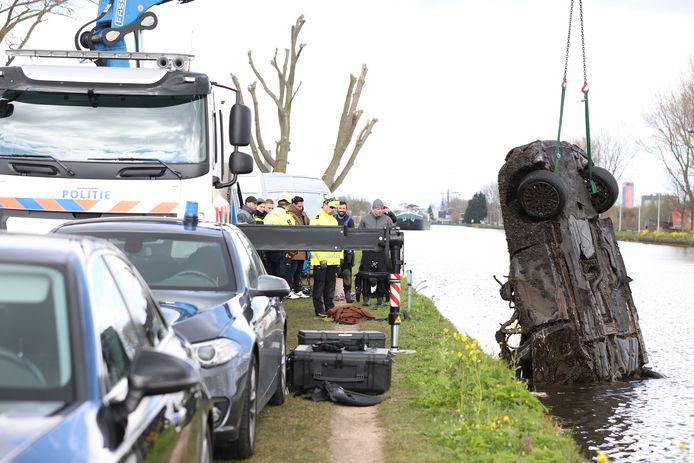 Gestolen auto gevonden bij duikersoefening politie in de Schie.