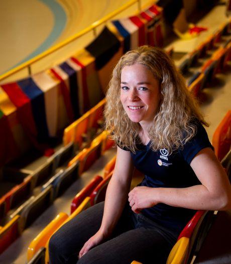 Niet naar Tokio, wel Europees kampioen en dan weer niet naar het WK: baanwielrenster Kyra Lamberink zit gevangen in een achtbaan van emoties