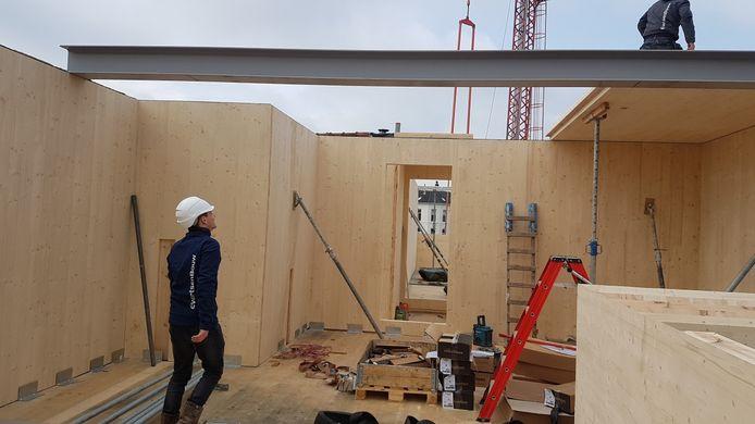Het pand wordt gebouwd met speciaal duurzaam hout.