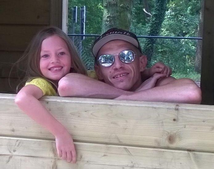 Hailey en haar papa in betere tijden.