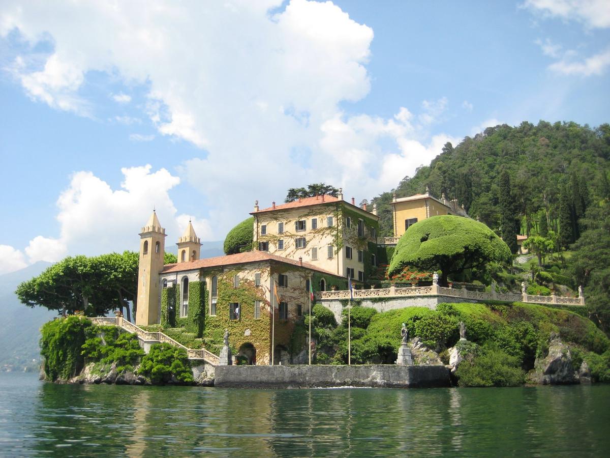 het incident gebeurde aan de bekende Villa del Balbianello.