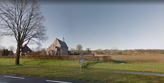 He dorpje Windesheim bij Zwolle. In deze omgeving heeft de mobiele telefoon van een vermiste Deventenaar voor het laatst een signaal afgegeven.