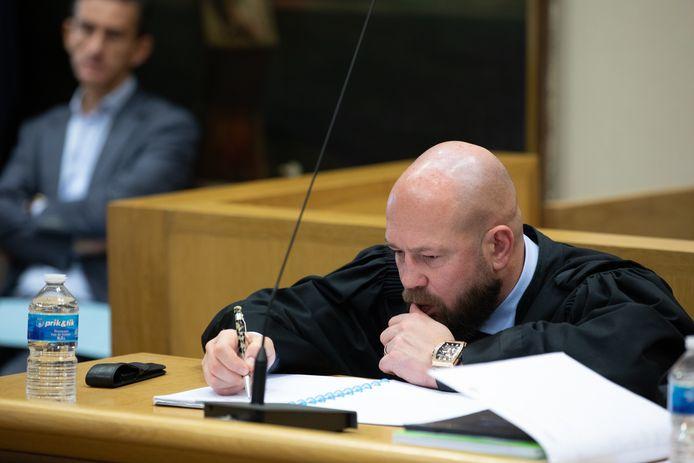 Uiterst geconcentreerd in het hof van assisen in Tongeren waar Brian V.G. en Shane R. terechtstaan voor de moord op Hilmi Gedik