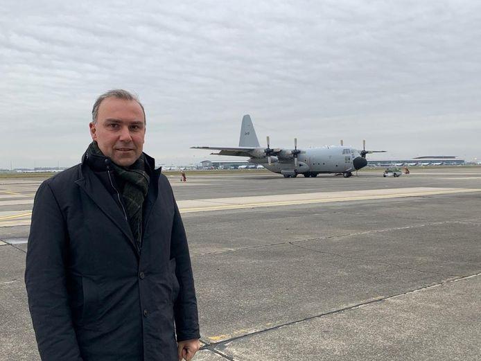 Federaal parlementslid Tim Vandenput bracht woensdag een bezoekje aan de militaire luchthaven, waar de C-130's al vijftig jaar hun thuisbasis hebben.