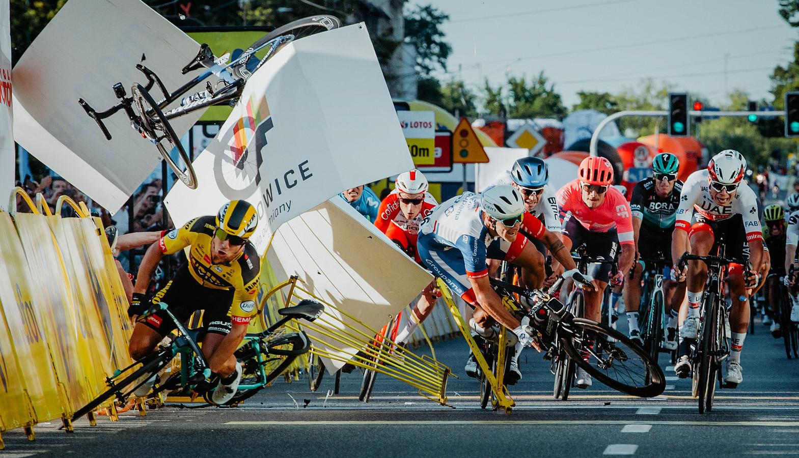 De verschrikkelijke val aan de finish in de Ronde van Polen.