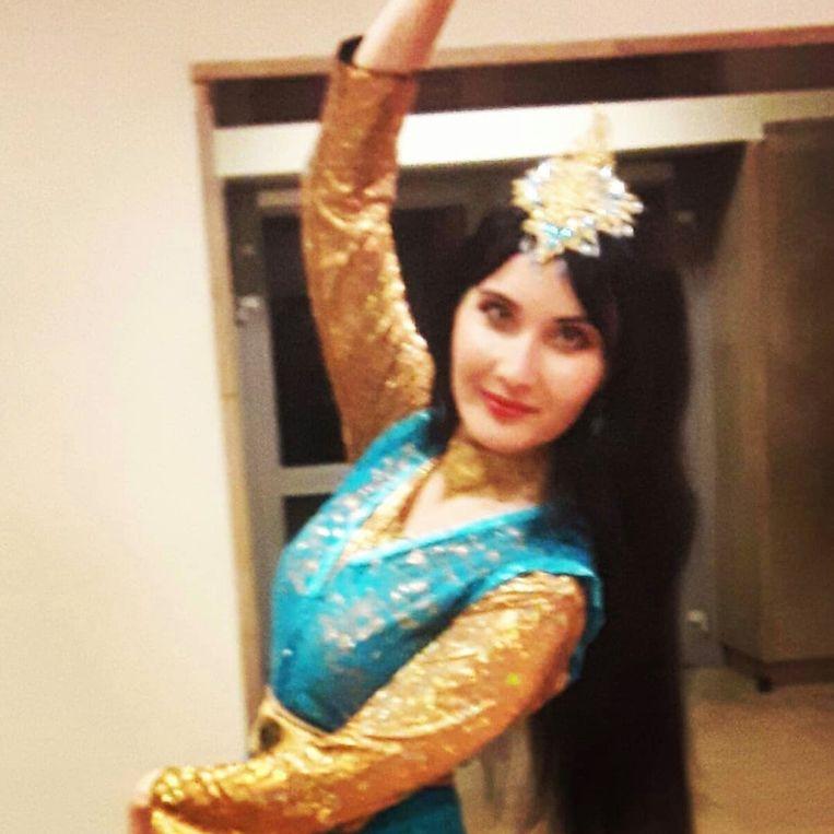 Als steun aan de opgepakte Iraanse danseres maakten vrouwen zelf filmpjes en plaatsten die op Instagram.