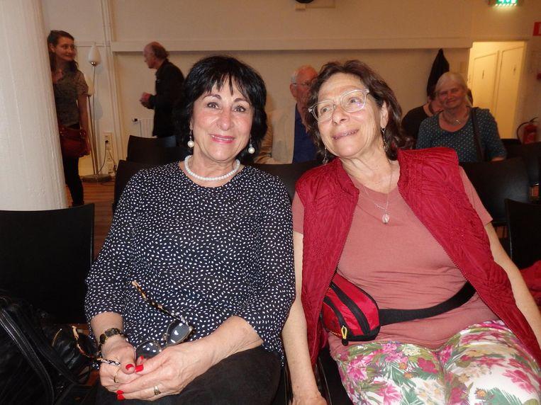 Shoshane Sela en Channa, geen zussen, wel landgenoten, Israëli. Beeld Hans van der Beek