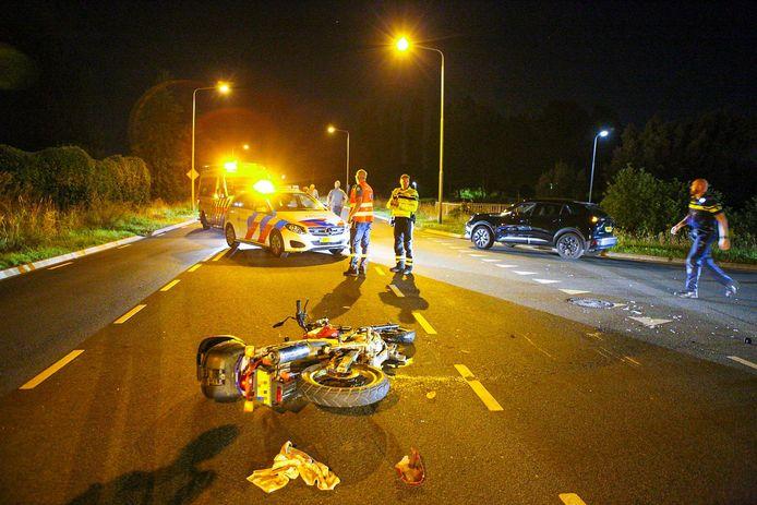 De motor raakte zwaar beschadigd bij het ongeluk in Nijkerk.