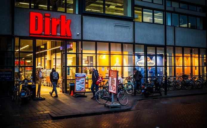 Supermarkt Dirk van den Broek aan de Cornelis de Wittstraat in Dordrecht.