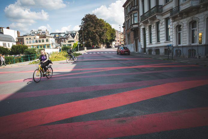 Gent, roze stroken, fietspad, fietsstraat, knip, en de roze driehoeken