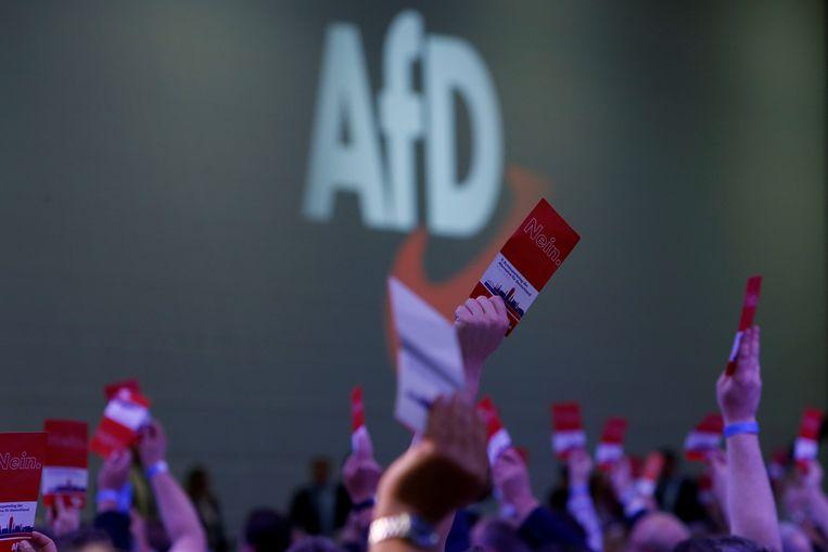 In Duitsland is de extreemrechtse partij AfD (Alternative für Deutschland) de tweede partij geworden in een peiling in opdracht van de krant Bild. Met 17 procent scoort ze beter dan de socialisten van SPD, die op 16 procent stranden. Beeld REUTERS