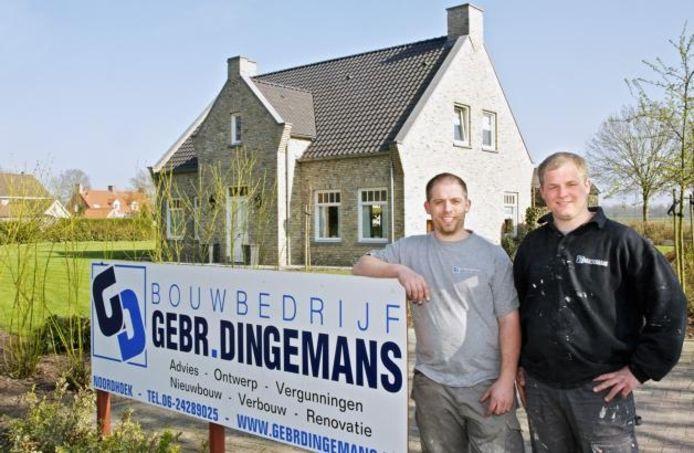 Peter en Koen Dingemans uit Noordhoek zijn op het Ondernemersgala uitgeroepen tot starters van het jaar. foto Johan Wouters/het fotoburo