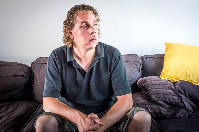 Niels Boomkamp werd in augustus 2019 mishandeld terwijl hij zijn werk als beveiliger bij dancing Bruins uitvoerde.