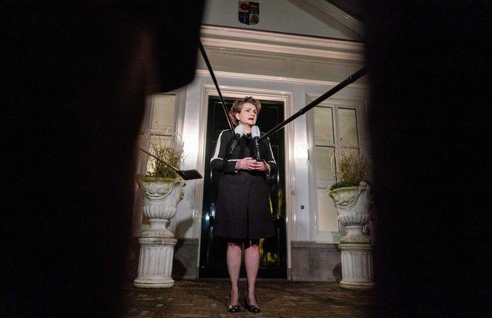Staatssecretaris Alexandra van Huffelen van Financiën maakte dinsdagavond bekend dat slachtoffers van de toeslagenaffaire binnen vier maanden 30.000 euro krijgen.