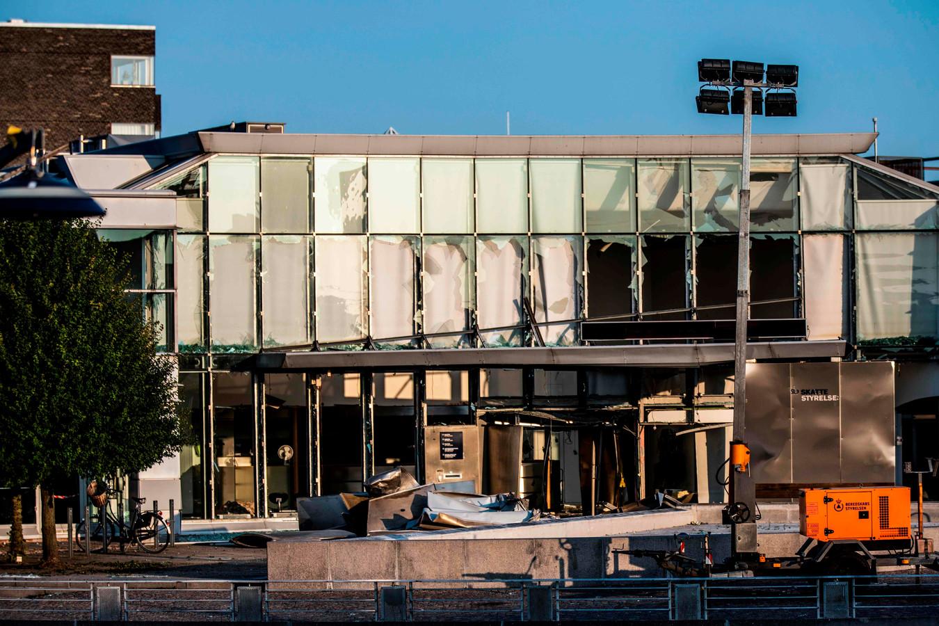 Het beschadigde gebouw van de Deense belastingdienst.