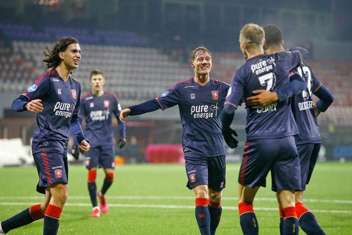 FC Twente viert weer een treffer in Emmen.