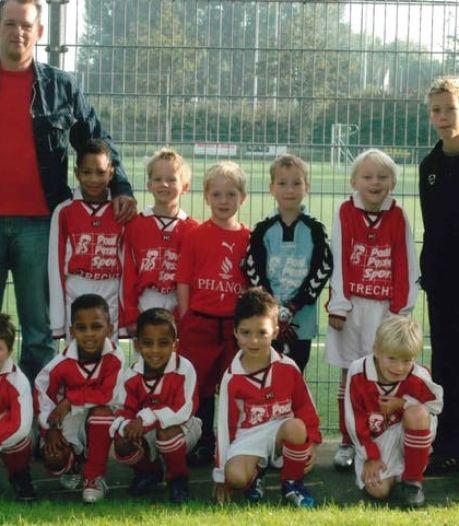 Leven van Utrechtse voetbaltweeling Timber (19) is net een jongensboek, álles deden ze samen... tot nu