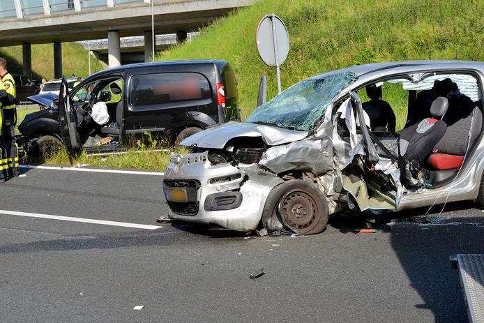 Gewonden bij ongeluk op oprit van A58 bij Breda