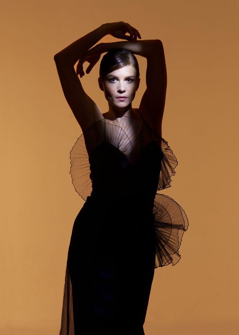 Actrice Katja Herbers, jurk: David Laport Beeld Aisha Zeijpveld, styling Koen T. Hendriks, visagie Shiona Franke