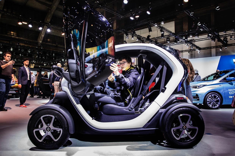 """De Renault Twizzy, een van de vele elektrische blikvangers. """"Op het salon vliegen de E-nummers je om de oren."""" Beeld Aurélie Geurts"""