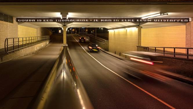 Is het spoorviaduct in Gouda ook aangetast door betonrot en onveilig? Prorail stelt onderzoek in