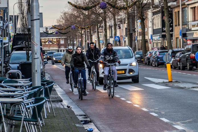 De Besterdring:  voor auto's is 50 kilometer per uur toegestaan, maar 30 zou een stuk veiliger zijn.