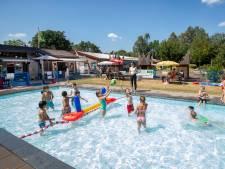 Tegels te koop voor behoud van zwembad in Tuindorp