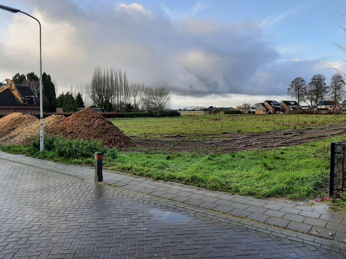 De bouwlocatie voor Hoge Wei 2 vanaf de Peperstraat in Oosterhout.
