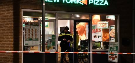 Verdachte overvallen op supermarkt en New York Pizza in Dronten blijft voorlopig in de cel