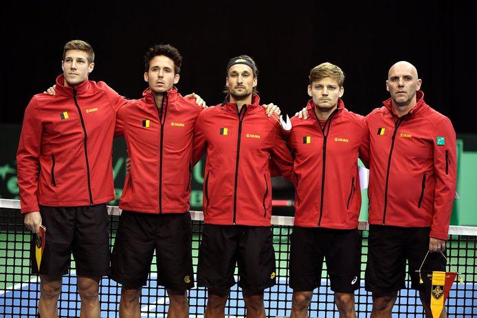 Archiefbeeld van de Belgische Davis Cup-ploeg. U herkent Joris De Loore, Julien Cagnina, Ruben Bemelmans, David Goffin en Johan Van Herck.