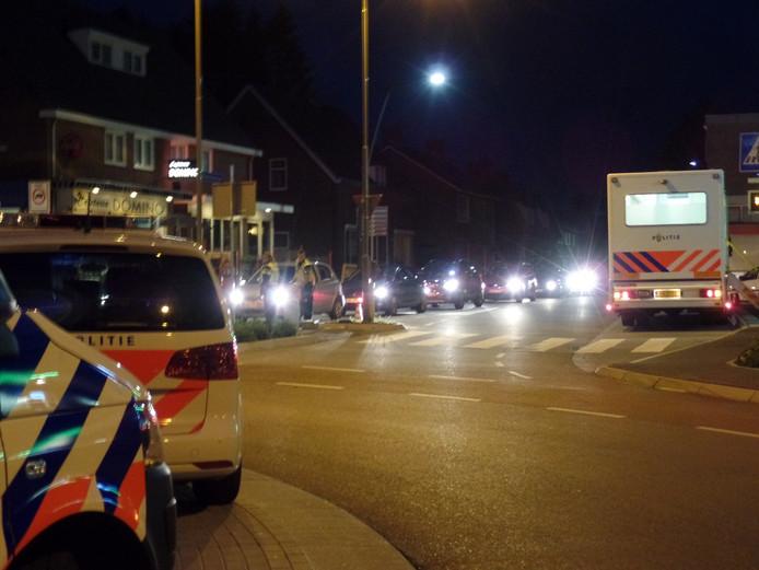 Auto's staan in de rij voor de alcoholcontrole in Groesbeek.