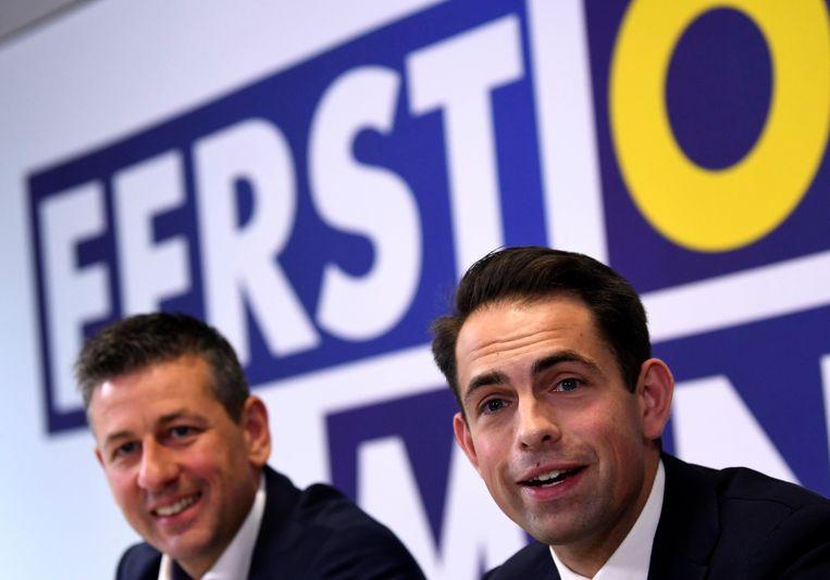 Vlaams Belang-onderhandelaar Chris Janssens, hier naast zijn partijvoorzitter Tom Van Grieken.   Beeld Photo News