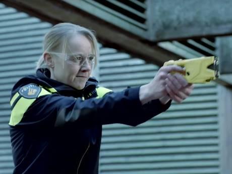 Politie wil 17.000 agenten uitrusten met stroomstootwapen