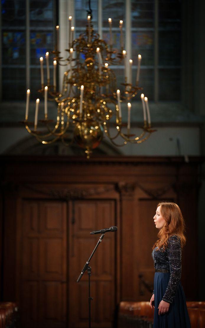 Sopraan Laetitia Gerards in de Nieuwe Kerk in Amsterdam.